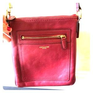 Coach crossbody purse. Excellent condition.